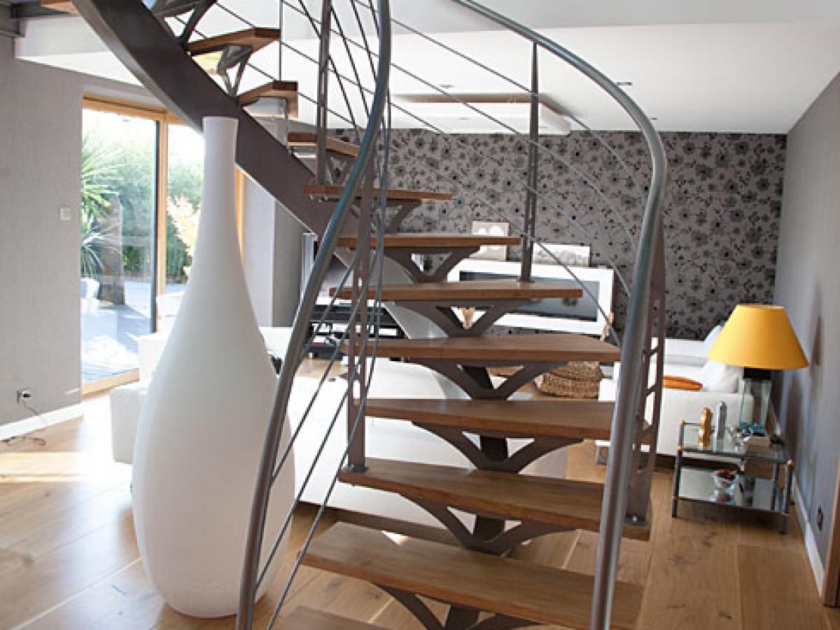 Escalier bois-métal à Morlaix