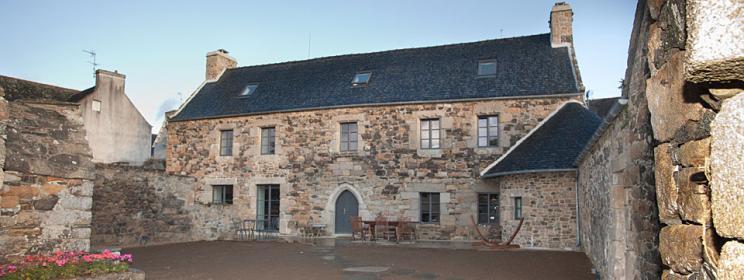 Rénovation maison très ancienne à Plougasnou